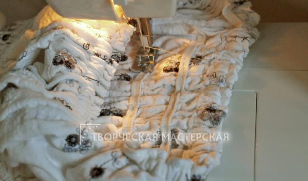 Сборка складок при сшитом боковом шве